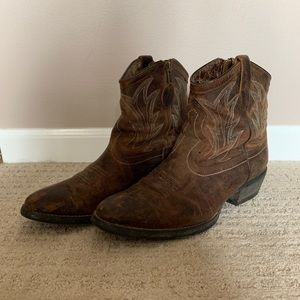 Short Ariat Cowboy Boots
